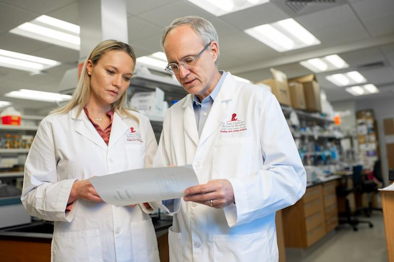 St. Jude researchers Stephen Gottschalk and Ewelina Mamcarz accepted an award at the Smithsonian this week for their work on a cure for SCID. (Photo: St. Jude)