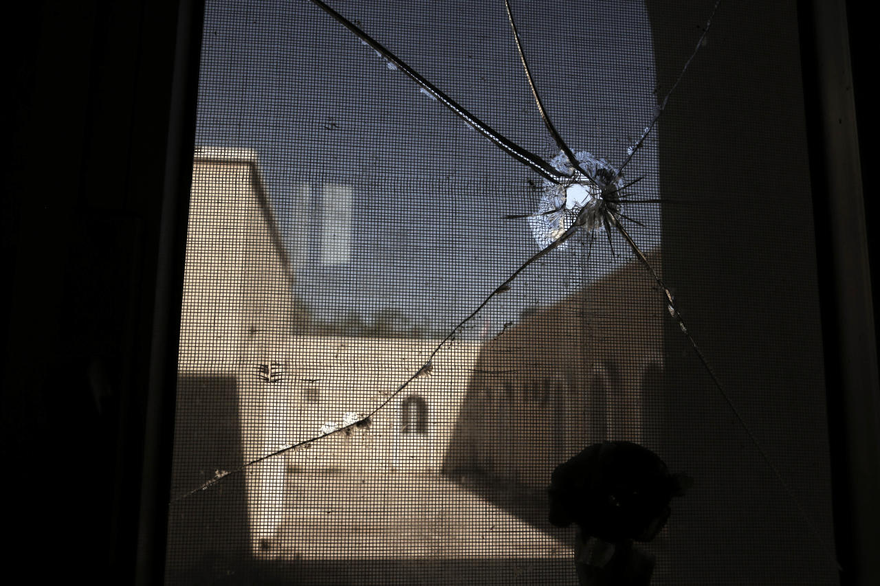 <p>In this Feb. 11, 2018 photo, damages due to the war at the Ibn Kholdoon Hospital, in Lahj, Yemen. (Photo: Nariman El-Mofty/AP) </p>