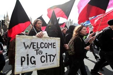 Welcome to Pig City caption - demo against bankers