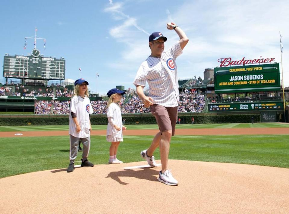 Jason Sudeikis, Chicago Cubs, first pitch