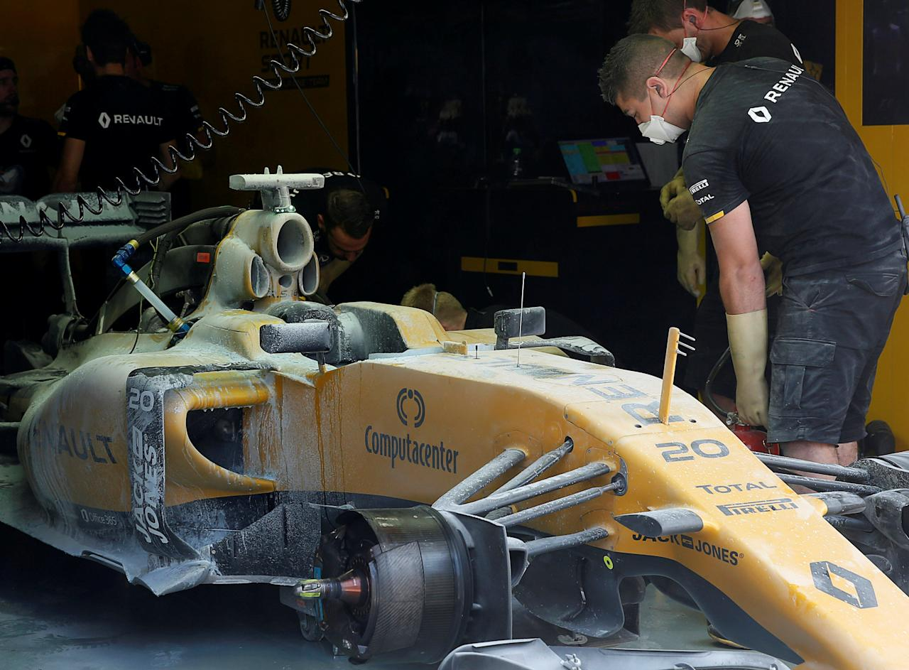 F1: Magnussen leaps to safety in pit lane fire drama