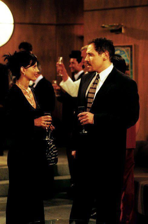 <p><strong>In Friends:</strong></p><p>Pete was Monica's millionaire boyfriend who follows his dreams to become a UFC fighter.</p>