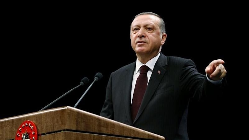 Turkey divided ahead of crucial referendum; polls put 'Yes' votes at above 51%