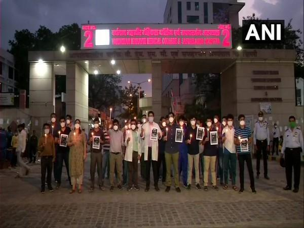 Safdarjung resident doctors holding a candle march on Sunday in support of junior doctors of Madhya Pradesh (ANI).