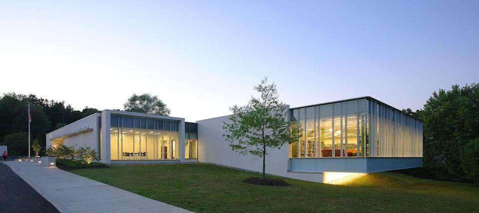 """<p>Browsing the bookshelves in a suspended glass structure, surrounded by a beautiful green park? Count us in. <a href=""""http://www.nccde.org/329/Hockessin-Library"""" rel=""""nofollow noopener"""" target=""""_blank"""" data-ylk=""""slk:The Hockessin Public Library"""" class=""""link rapid-noclick-resp"""">The Hockessin Public Library</a> is beautifully simple and easy to navigate. </p>"""