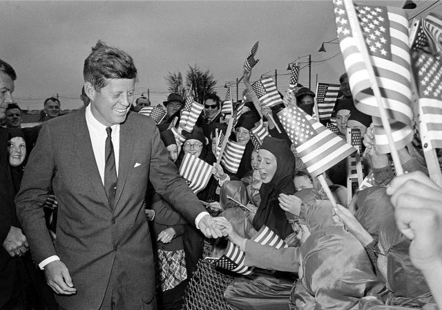 <p>President John F. Kennedy is greeted by an enthusiastic crowd of children and nuns from the Convent of Mercy as he arrives from Dublin by helicopter at Galway's sports ground, Ireland, June 29, 1963. (Photo: AP) </p>