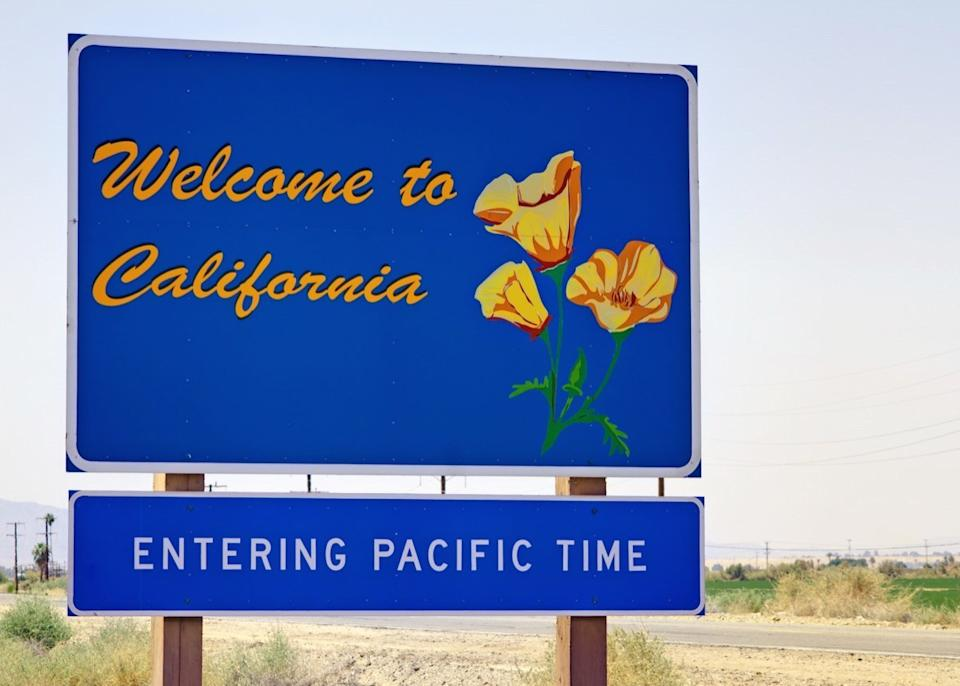 california state welcome sign
