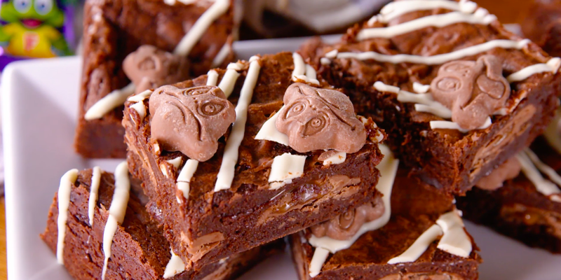"<p>Ok, we're still not over the fact Freddos aren't 10p anymore, but we still have a soft spot for the frog-shaped chocolate treat. We've sandwiched whole Freddo bars in between layers of brownie in this recipe, and topped with Freddo faces, because WHY NOT!?</p><p>Get the <a href=""https://www.delish.com/uk/cooking/recipes/a29754525/freddo-brownies/"" rel=""nofollow noopener"" target=""_blank"" data-ylk=""slk:Freddo Brownies"" class=""link rapid-noclick-resp"">Freddo Brownies</a> recipe.</p>"