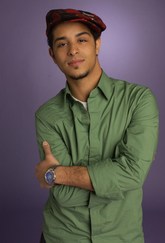 "<b>Mario Vasquez, ""<a href=""http://tv.yahoo.com/american-idol/show/34934"">American Idol</a>""<br><br></b>Midway through the fourth season of ""Idol,"" fan favorite Mario Vasquez decided to drop out of the singing competition saying, ""I had to focus on some personal areas in my life with the little bit of privacy that I have."" Many speculated that he left the show thinking he could become a star without it. Carrie Underwood went on to win the show that season."