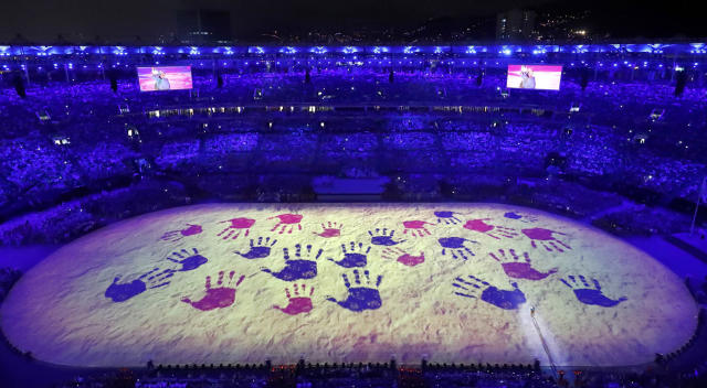 <p>A projection is seen during the closing ceremony for the 2016 Rio Olympics on August 21, 2016. (REUTERS/Fabrizio Bensch) </p>
