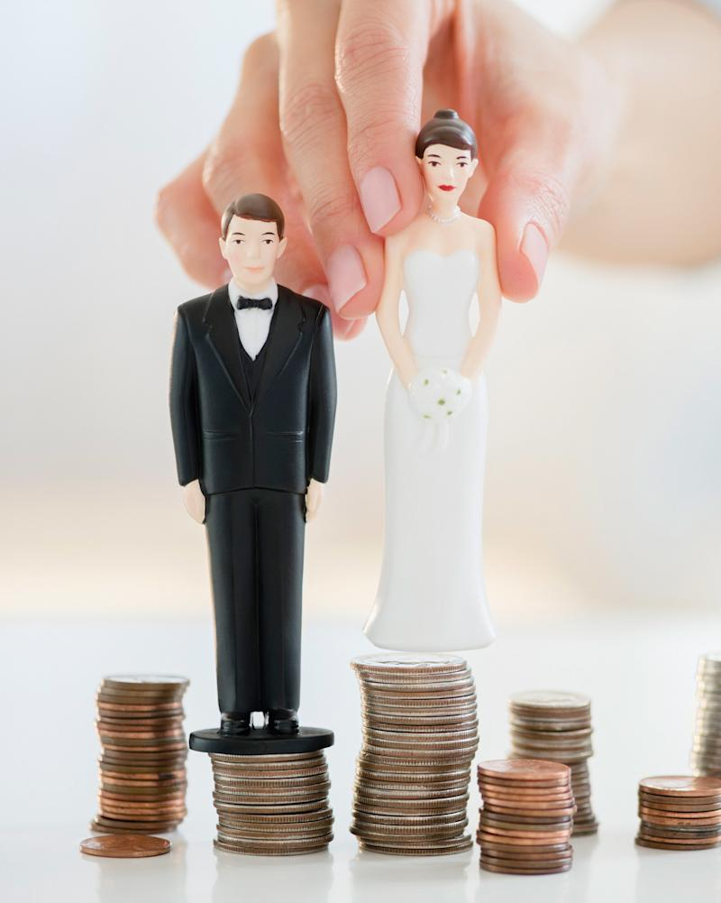 Three Common Financial Mistakes Newlywed Couples Make—Plus, Expert-Approved Tips to Help You Avoid Them