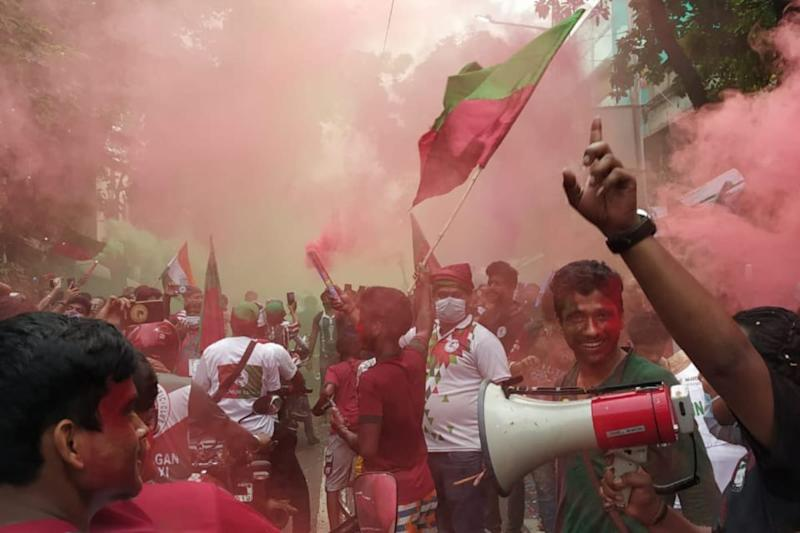 Mohun Bagan Fans Flout Social Distancing Norms During Victory Parade, Club Says They Were 'Helpless'