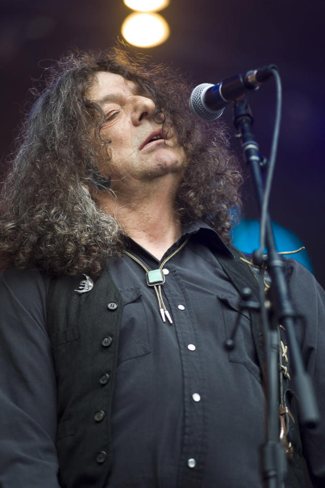 <p>Fred Cole was the frontman for underground rock trio Dead Moon. He died Nov. 9 from cancer. He was 69.<br>(Photo: Getty Images) </p>