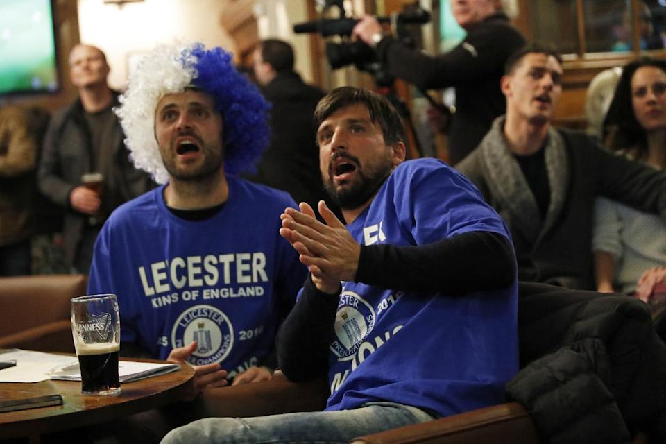 Britain Football Soccer - Leicester City fans watch the Chelsea v Tottenham Hotspur game in pub in Leicester - 2/5/16 Leicester City fans watch the game Reuters / Eddie Keogh Livepic