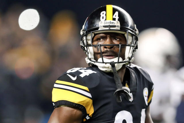 "An apology tour has not convinced the <a class=""link rapid-noclick-resp"" href=""/nfl/teams/pittsburgh/"" data-ylk=""slk:Pittsburgh Steelers"">Pittsburgh Steelers</a> that Antonio Brown is worth the risk. (AP Photo/Don Wright, File)"