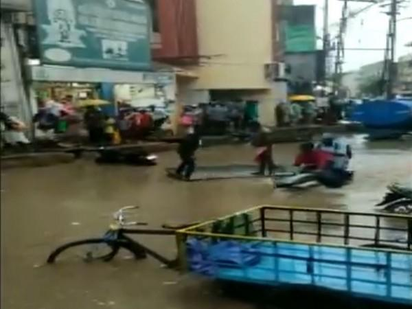 Five-hour continuous heavy rains caused massive waterlogging in Madurai, Tamil Nadu. (Photo/ANI)