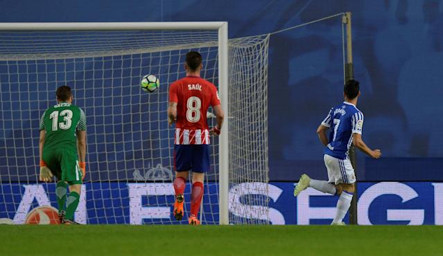 Soccer Football - La Liga Santander - Real Sociedad vs Atletico Madrid - Anoeta Stadium, San Sebastian, Spain - April 19, 2018 Real Sociedad's Juanmi scores their second goal REUTERS/Vincent West
