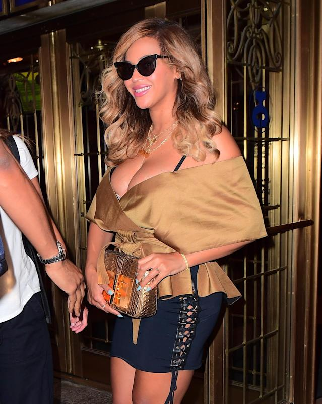 """<p>Beyoncé made a surprise appearance at a showing of <i>Dear Evan Hansen,</i> and naturally, the entire cast freaked out. The show's Tony-award winning lead, Ben Platt, exclaimed he was """"no longer living"""" after meeting the superstar. For those keeping score at home, Queen Bey is human, as she was highly emotional after the performance. """"She came backstage and was basically still crying from the show,"""" <a href=""""http://pagesix.com/2017/09/15/beyonce-was-an-emotional-mess-after-dear-evan-hansen-too/"""" rel=""""nofollow noopener"""" target=""""_blank"""" data-ylk=""""slk:a rep told Page Six"""" class=""""link rapid-noclick-resp"""">a rep told Page Six</a>. """"She was so complimentary toward the cast and talked about how much she loved the show."""" (Photo: Splash News) </p>"""