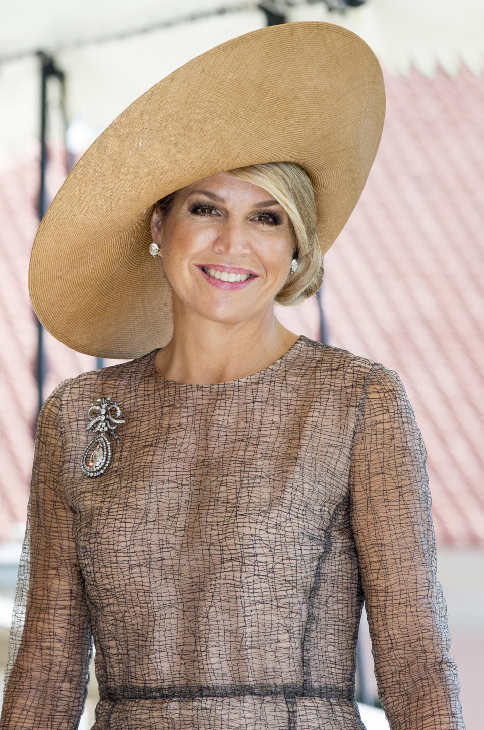 LISBOA CDP, PORTUGAL - OCTOBER 10: Queen Maxima of The Netherlands visits President Marcelo Rebelo de Sousa of Portugal at Palacio de Belem on October 10, 2017 in Lisboa CDP, Portugal. (Photo by Patrick van Katwijk/Getty Images)