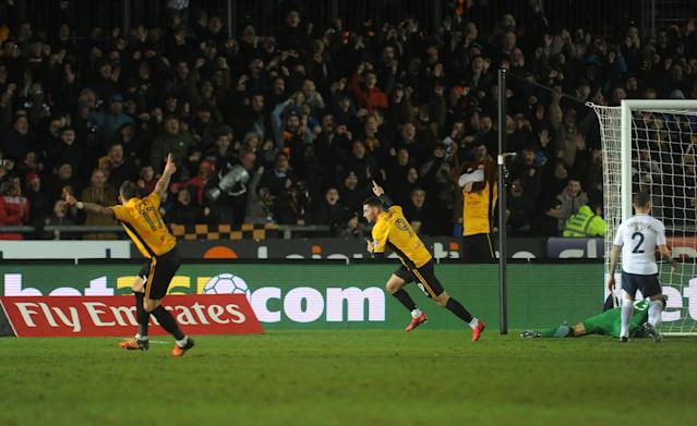 Padraig Amond celebrates his goal for Newport County against Tottenham in the FA Cup. (Getty)