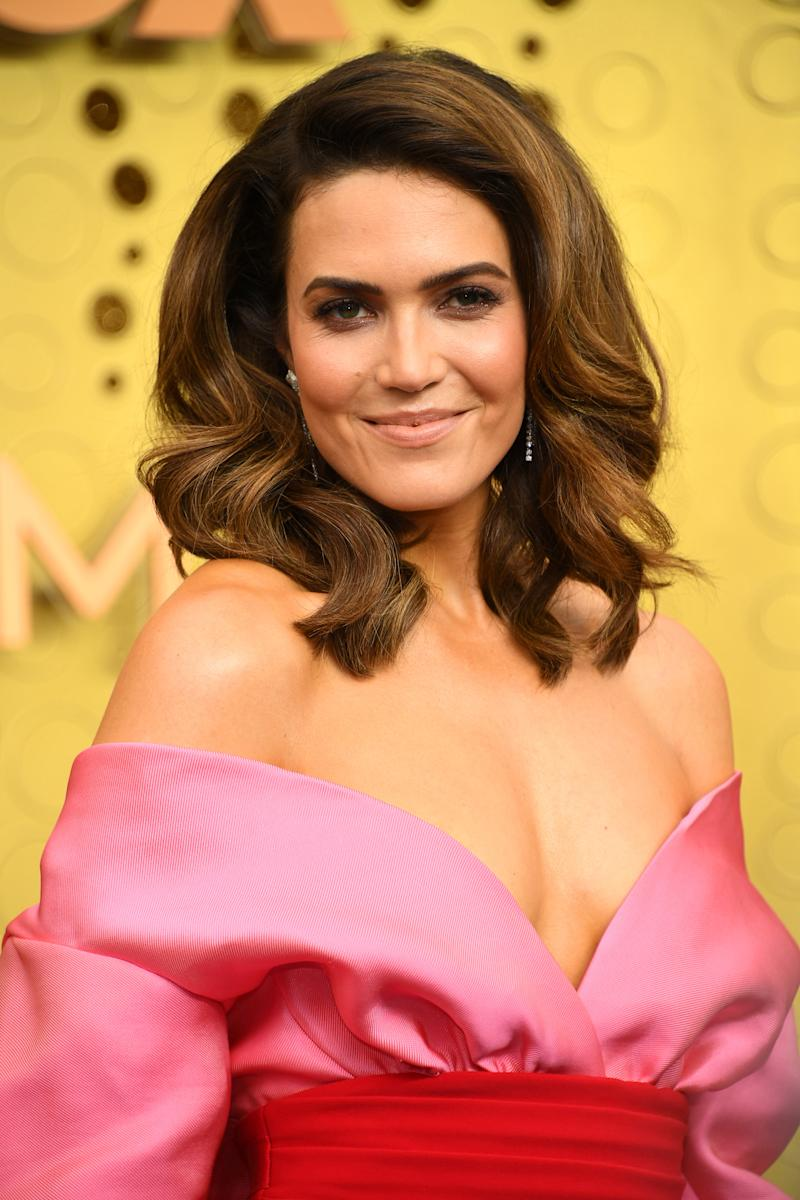 The secret to Mandy Moore's gorgeous skin? One high-tech device. (Photo: Getty Images)