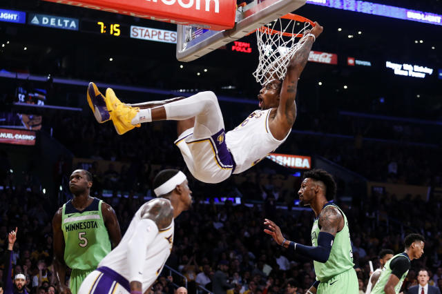 Los Angeles Lakers' Dwight Howard (39) dunks against Minnesota Timberwolves during the first half of an NBA basketball game, Sunday, Dec. 8, 2019, in Los Angeles. (AP Photo/Ringo H.W. Chiu)