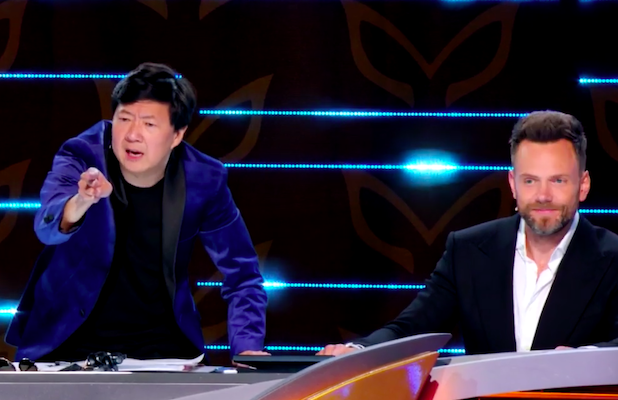 'Masked Singer': Ken Jeong and Joel McHale Get in a Fight About Tree's Identity – and Who's Shorter (Exclusive Video)