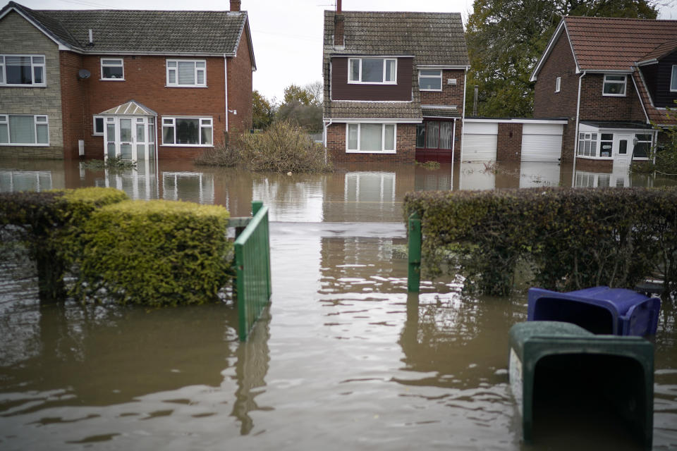 DONCASTER, ENGLAND - NOVEMBER 14: The village of Fishlake continues to suffer from flooding as residents start to salvage belongings from their homes and businesses on November 14, 2019 in Doncaster, England. Further weather warnings have been issued as more rain begins to hit areas that bore the brunt of this week's floodings. Soldiers have been deployed to help around some the worst hit areas in Doncaster and South Yorkshire  (Photo by Christopher Furlong/Getty Images)