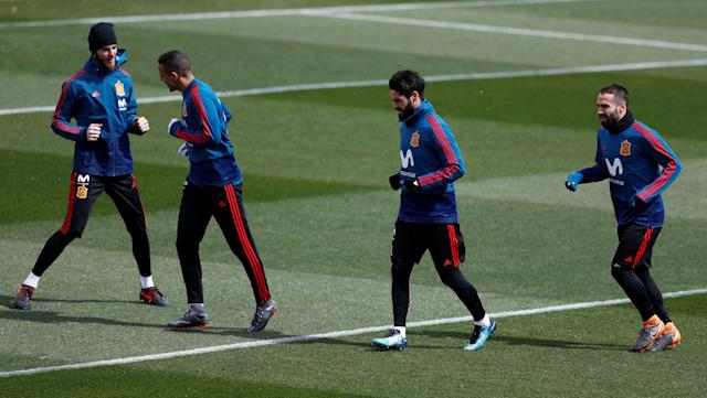 Soccer Football - Spain Training - Las Rozas, Spain - March 24, 2018 Spain's David de Gea, Rodrigo, Isco and Dani Carvajal during training REUTERS/Juan Medina