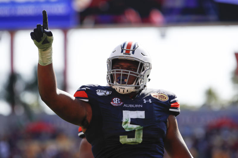 Auburn Tigers defensive tackle Derrick Brown (5) during the Outback Bowl against the Minnesota Golden Gophers. (Photo by Mark LoMoglio/Icon Sportswire via Getty Images)