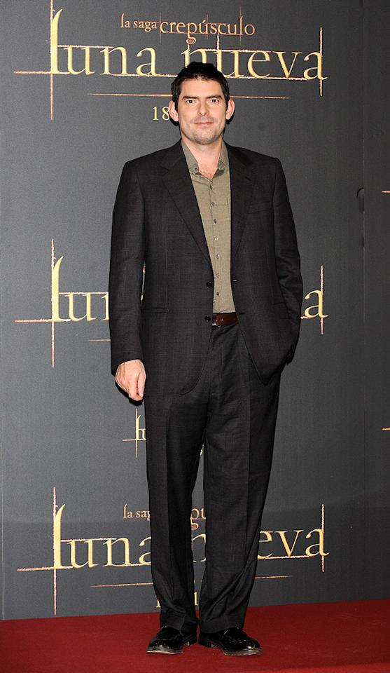 """<a href=""""http://movies.yahoo.com/movie/contributor/1800020201"""">Chris Weitz</a> at the Madrid photocall for <a href=""""http://movies.yahoo.com/movie/1810055802/info"""">The Twilight Saga: New Moon</a> - 11/12/2009"""