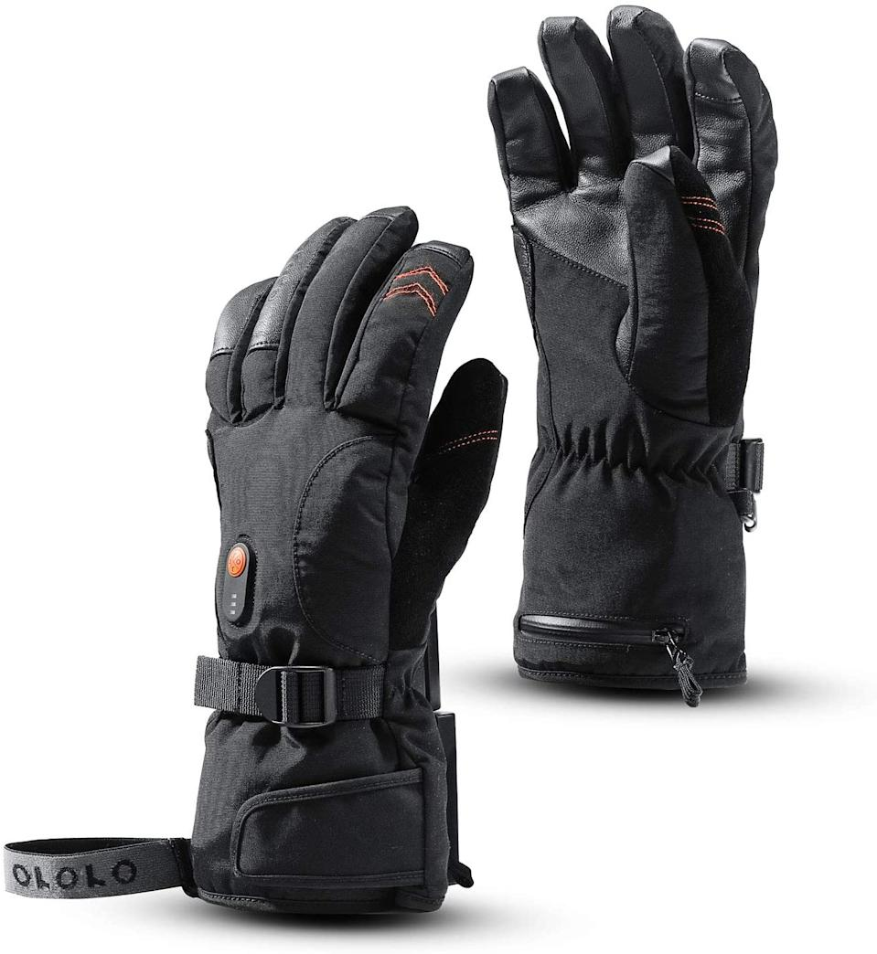 Heated Gloves for Men and Women. Image via Amazon.