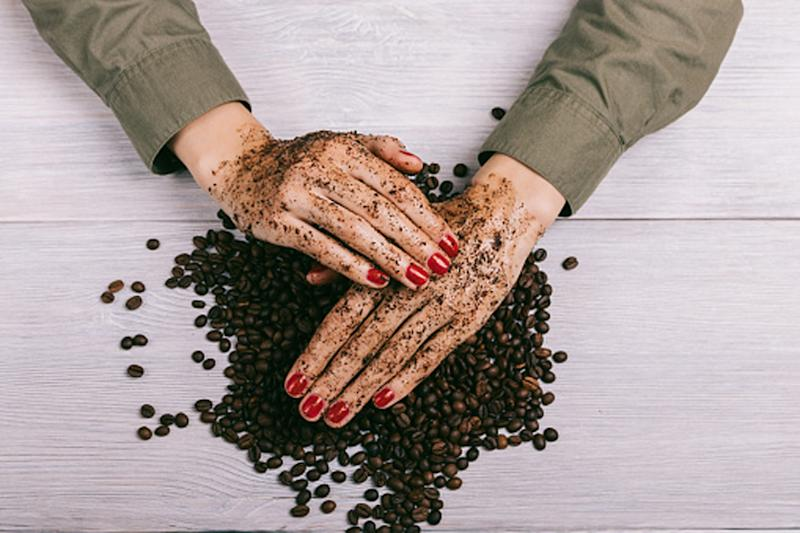 Coffee Scrub for that Flawless Beach-Ready Body