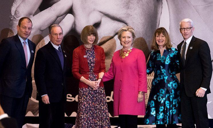 Alexander L. Bolen, Michael Bloomberg, Anna Wintour, Hillary Clinton, Janice D. Walker, and Anderson Cooper attend the Oscar de la Renta Forever Stamp dedication ceremony at Grand Central Terminal. (Photo by Noam Galai/WireImage)