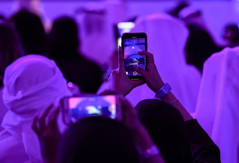 The United Arab Emirates has invested billions in new technologies and artificial intelligence as part of its Vision 2021 development plan (AFP Photo/KARIM  SAHIB)