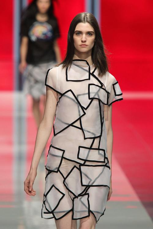 <p>LONDON, UNITED KINGDOM - FEBRUARY 18: A model walks the runway at the Christopher Kane show during London Fashion Week Fall/Winter 2013/14 at on February 18, 2013 in London, England. (Photo by Antonio de Moraes Barros Filho/WireImage)</p>