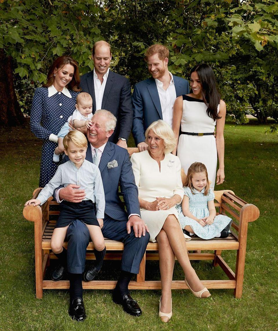 <p>Prince Louis steals the show in a previously unseen photo of that family portrait session.</p>