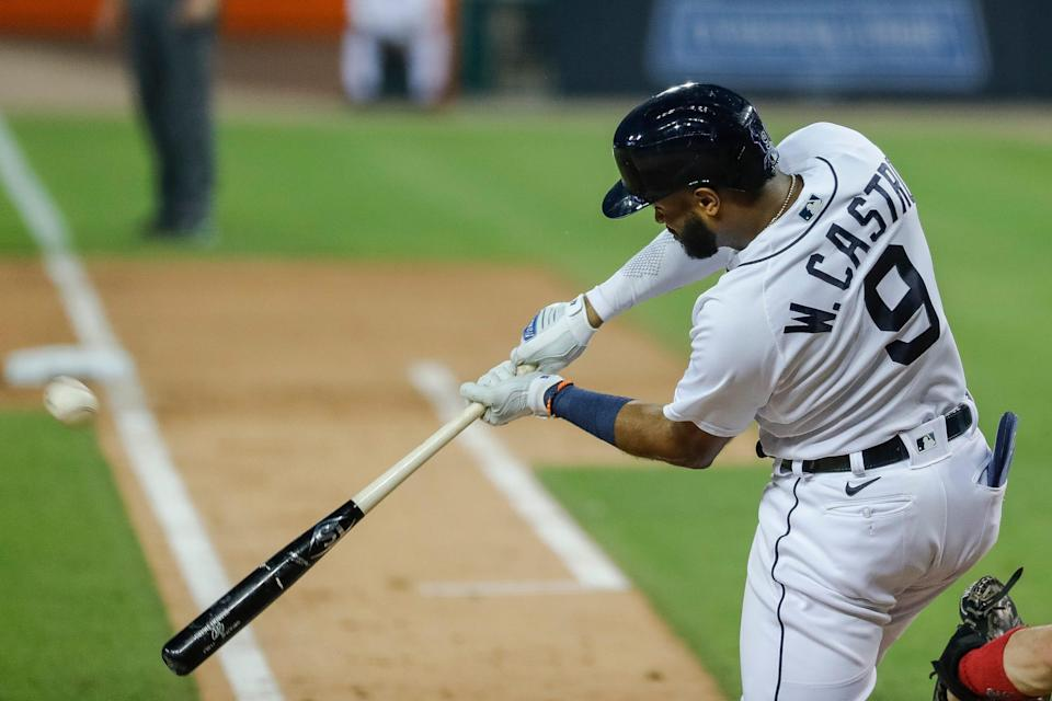 Tigers shortstop Willi Castro bats against Cleveland during the seventh inning at the Comerica Park on Tuesday, May 25, 2021.