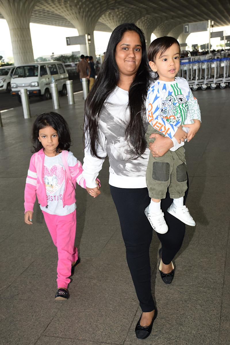Arpita Khan was spotted at Mumbai airport while leaving for new year celebrations. (Image: Yogen Shah)