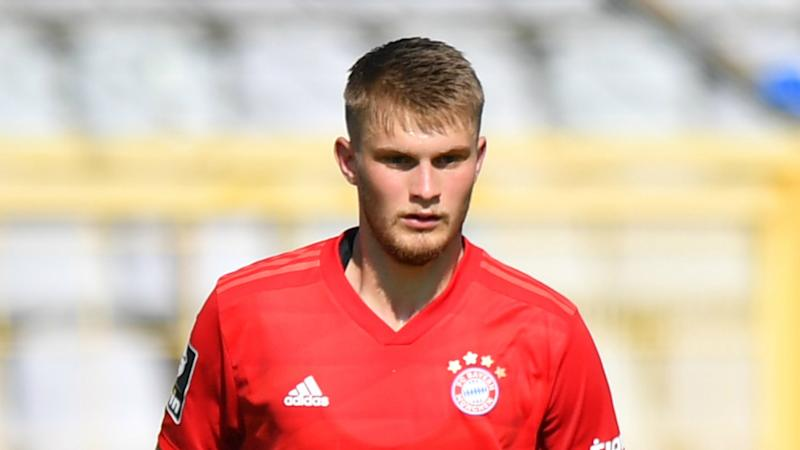 Teenage defender Mai renews Bayern Munich contract until 2022