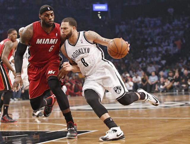 Brooklyn Nets point guard Deron Williams to undergo surgery on both of his troublesome ankles