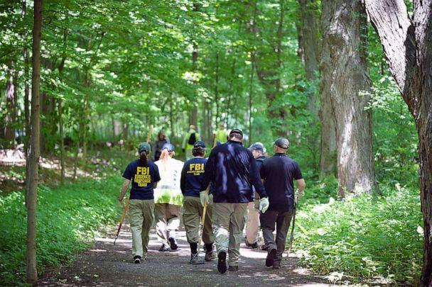 PHOTO: The FBI and police search the woods inside Wavenly Park for the remains of Jennifer Dulos, in New Canaan, Conn., June 3, 2019. (Matthew Mcdermott/Polaris)