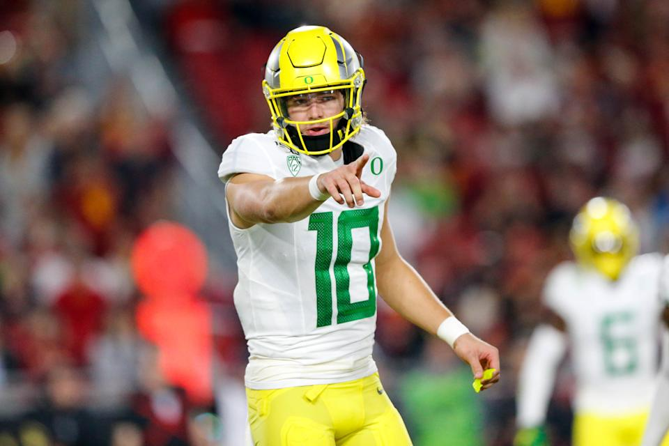 Oregon quarterback Justin Herbert might end up being the biggest beneficiary of Tua Tagovailoa's injury. (Photo by Jordon Kelly/Icon Sportswire via Getty Images)