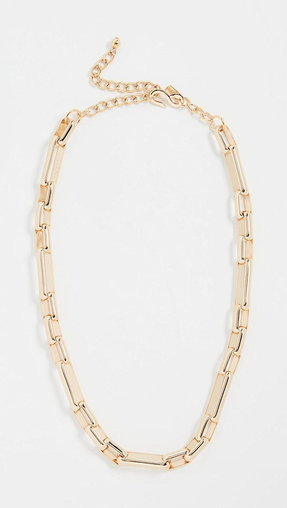 <p>This <span>Kenneth Jay Lane Polished Gold Chain Link Necklace</span> ($60) will go well with a square-neck top or a round-neck dress.</p>
