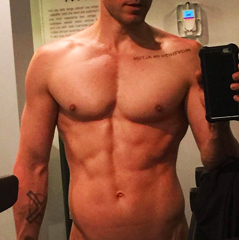 """<p>""""Caption this,"""" the actor and singer instucted his followers. Okay, we'll give it a go: """"Holy body, Batman!"""" """"AB-tastic,"""" and """"Thank you very much!"""" (Photo: <a rel=""""nofollow"""" href=""""https://www.instagram.com/p/BZUT0hzn5Dn/?taken-by=jaredleto"""">Jared Leto via Instagram</a>) </p>"""