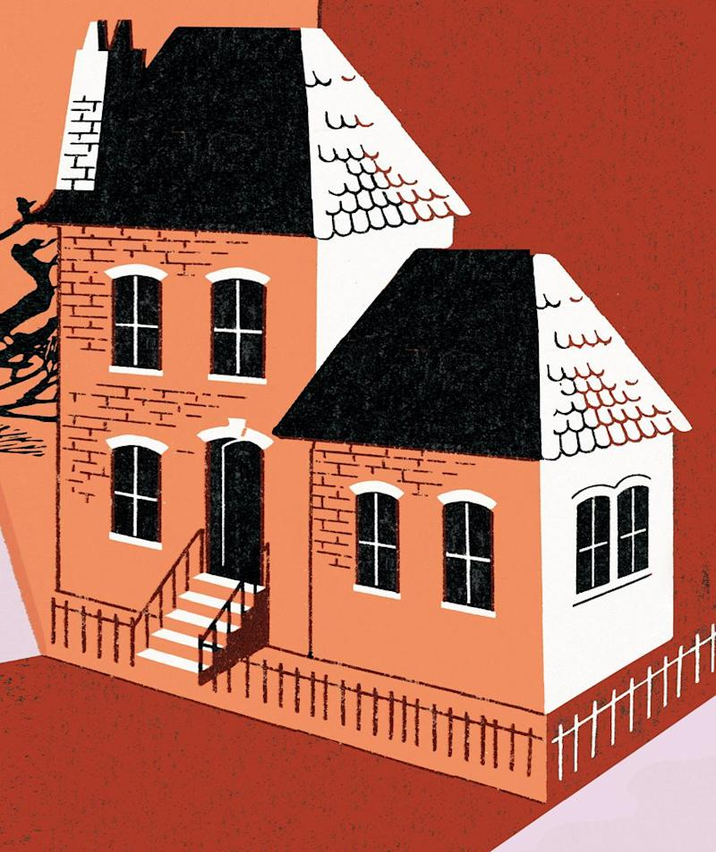 """Buyer Beware: Sellers in Most States Don't Have to Disclose If Their Home Is """"Haunted"""""""