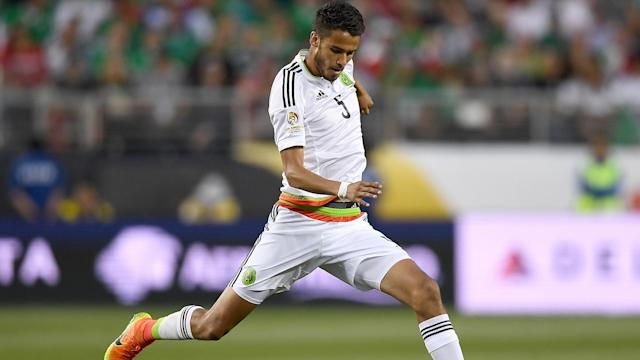 Diego Reyes' second-half header helped Mexico edge past Trinidad and Tobago in World Cup qualifying.