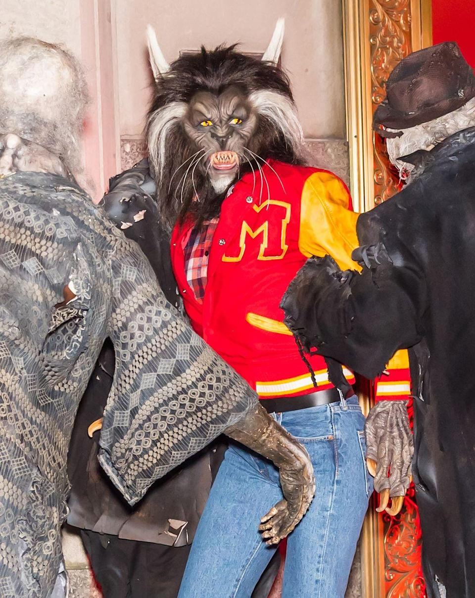 <p>The model dressed as the werewolf in Michael Jackson's 'Thriller' video and performed the dance at her 8th Annual Halloween Party at Magic Hour Rooftop Bar & Lounge in NYC, 2017. </p>