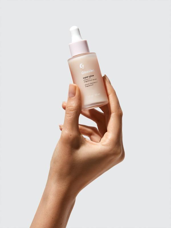 """<p><strong>Glossier</strong></p><p>cultbeauty.co.uk</p><p><strong>$28.00</strong></p><p><a href=""""https://go.redirectingat.com?id=74968X1596630&url=https%3A%2F%2Fwww.cultbeauty.co.uk%2Fvolition-orangesicle-balancing-daily-cleanser.html%3Fgclid%3DEAIaIQobChMI-I7ul87K6wIVjbbICh0JAQXTEAYYASABEgIfifD_BwE%26ef_id%3DEAIaIQobChMI-I7ul87K6wIVjbbICh0JAQXTEAYYASABEgIfifD_BwE%253AG%253As&sref=https%3A%2F%2Fwww.countryliving.com%2Fshopping%2Fgifts%2Fnews%2Fg4859%2Fbest-friend-gifts%2F"""" rel=""""nofollow noopener"""" target=""""_blank"""" data-ylk=""""slk:Shop Now"""" class=""""link rapid-noclick-resp"""">Shop Now</a></p><p>This brightening serum will be a hit for your best friend—and while you're at it, grab one for yourself! </p>"""