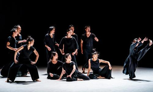 Cloud Gate Dance Theatre review – swirling tales from Taiwan